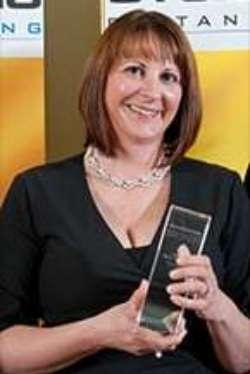 Susanne Bañez-Weidenbach, Absolventin Europäische BWL (B.A.) und General Management MBA