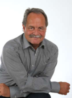 Karl Schmollinger, Europäische BWL (B.A./Diplom) und General Management MBA